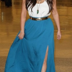 kim-kardashian-in-rachel-zoe-maxi-skirt-beauty-and-the-beat-blog
