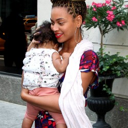 beyonce-and-blue-ivey-carter-blone-box-braids-beauty-and-the-beat-blog