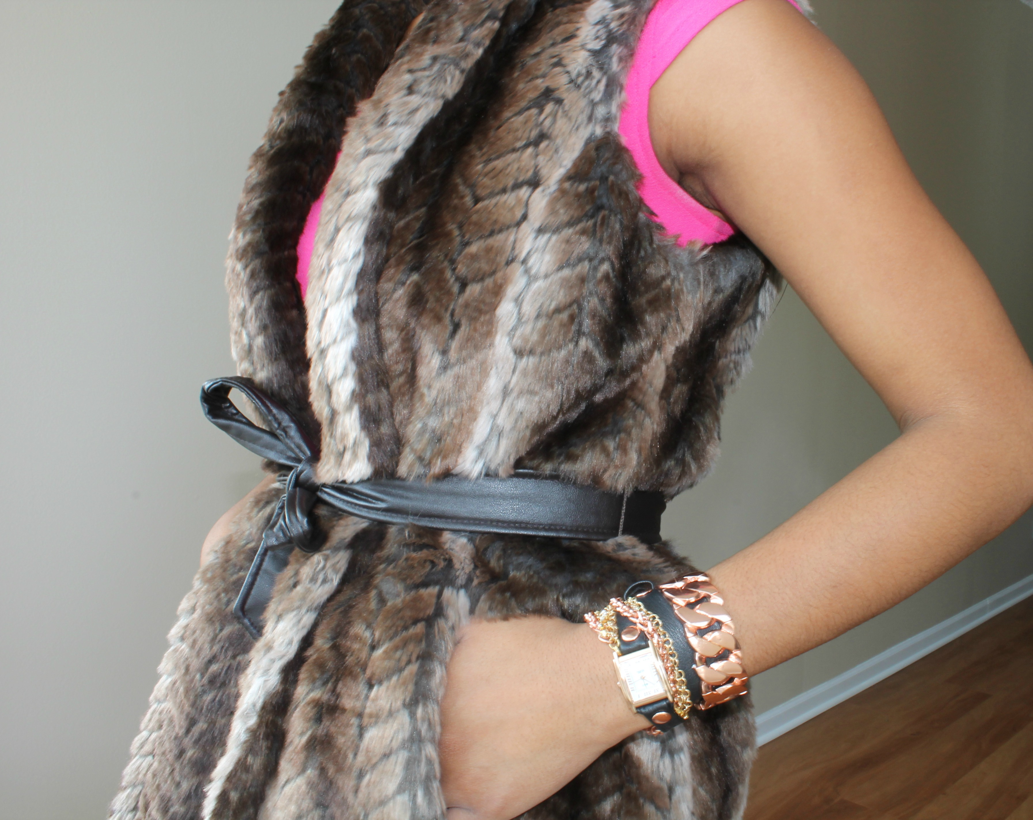 close-up-faux-fur-vest-beauty-and-the-beat-blog