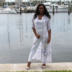 margo-ootd-boats-in st-petersburg-florida-beauty-and-the-beat-blog