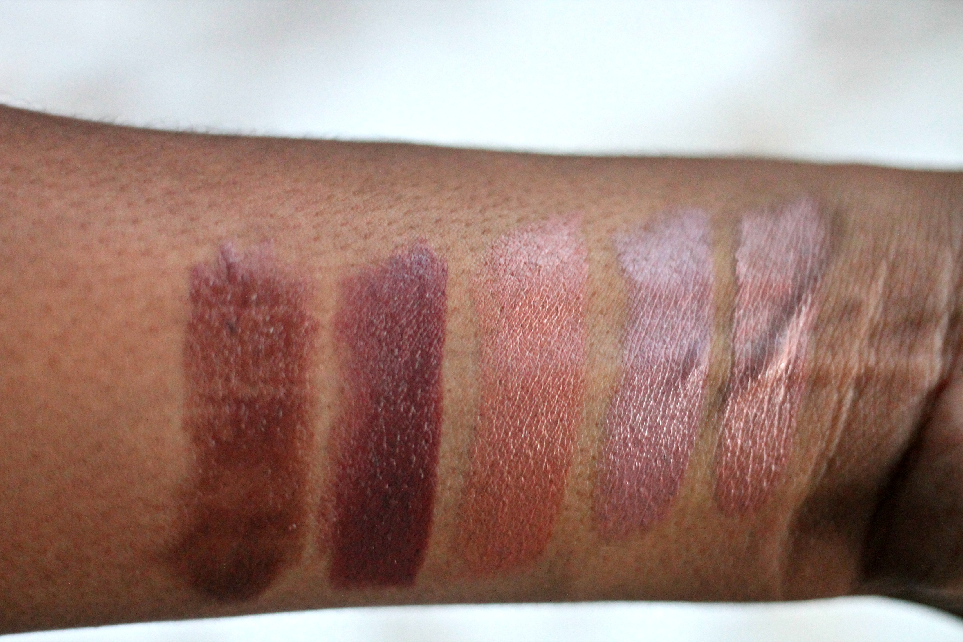 swatches-on-dark-skin-with-no-flash-The Essential Nude Lip Lasting Finish Lipstick By Kate-moss-beauty-and-the-beat-blog