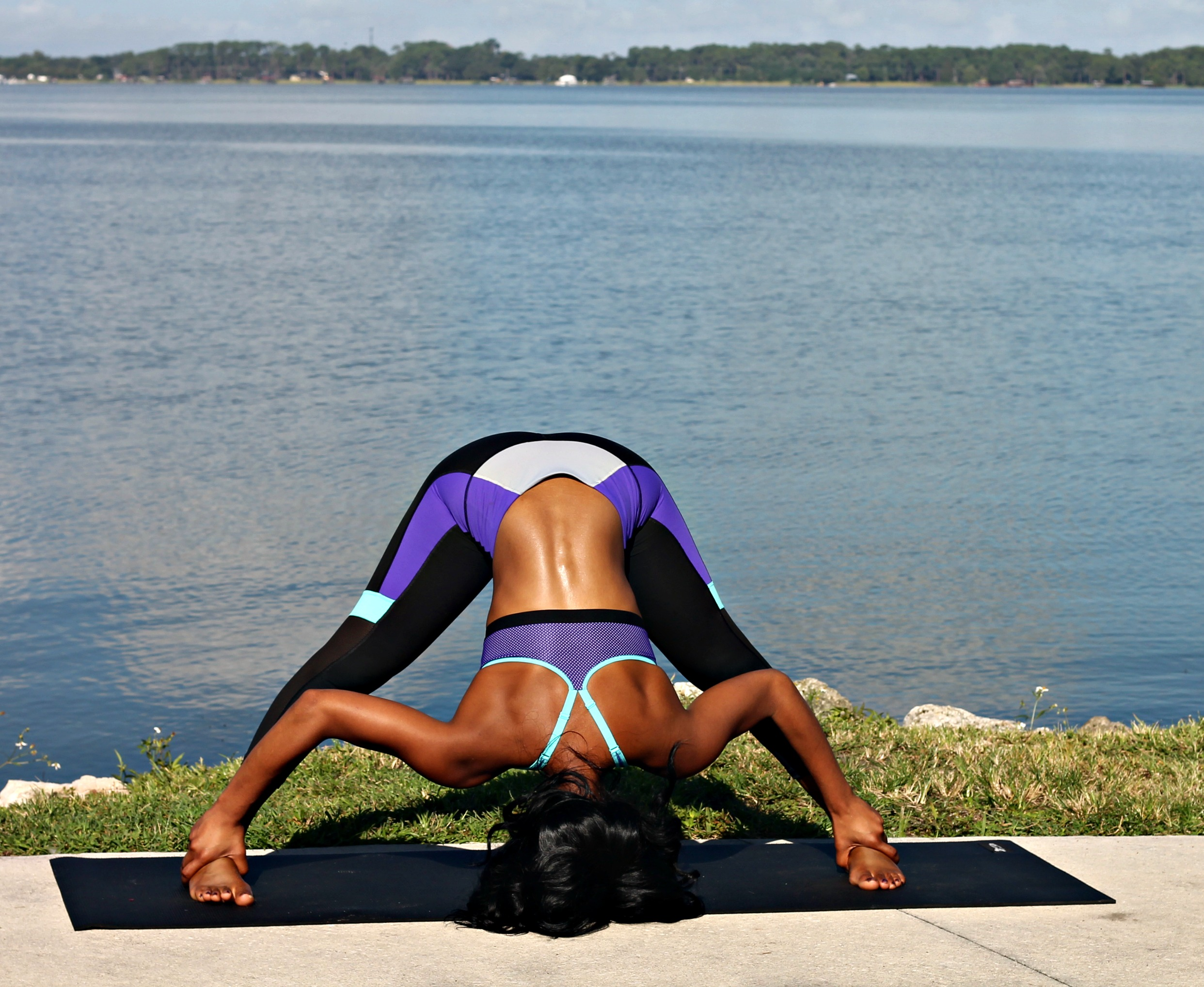 wide-legged-standing-forward-bend-yoga-pose-how-to-beginner-yogi-prasarita-padottanasana-hip-and-heart-opener-stretch-beauty-and-the-beat-blog