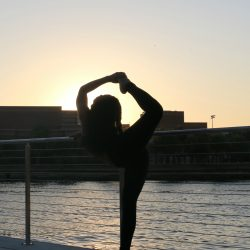 sunset-yoga-tampa-riverwalk-beauty-and-the-beat-blog